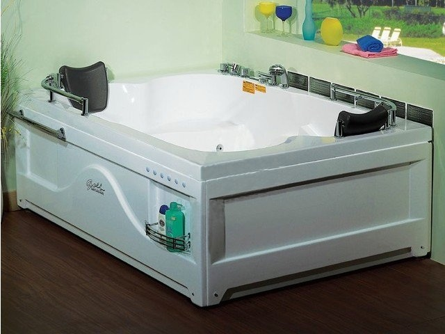 Гидромассажные ванны Golf